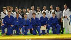 Grupo de taekwondistas que se formou no s�bado