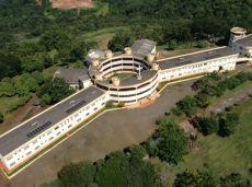 Casa dos Carmelitas em Londrina, Paraná, construída por frei Marcos entre 1999 e 2001
