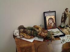 """Devoção aos santos no escritório do Papa: São José """"dormindo"""""""