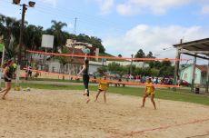 Finalíssima do Torneio de Vôlei Feminino teve participação de duplas felizense