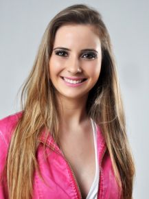 Jana�na Amanda Schneider, 22 anos, de Bom Fim
