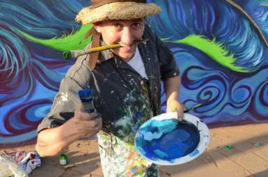 Sãndro Belloríni: criatividade e colorido nas artes plásticas (Foto: Divulgação/Arquivo pessoal)