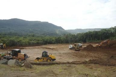 Iniciam obras da nova escola Tiradentes