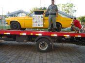 Chevette furtado se envolve em acidente