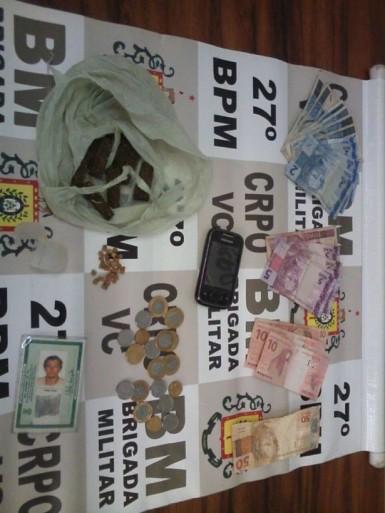 Indivíduo já era suspeito de vender drogas (Foto: Brigada Militar)