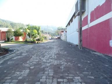 Calçamento da rua Miguel Ervino Schlindwein foi concluído (Foto: Matine Andreolla/Prefeitura)