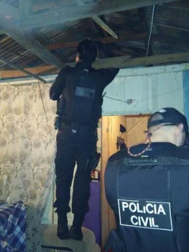 Drogas também foram apreendidas (Foto: Jornal Primeira Página)