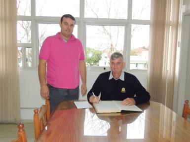André Steffen assume a Prefeitura