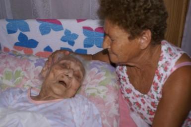 Vó Dora era cuidada pela filha Eronita