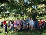 Escola visitou limites do município e árvore de mais de 300 anos (Foto: Divulgação/Prefeitura)